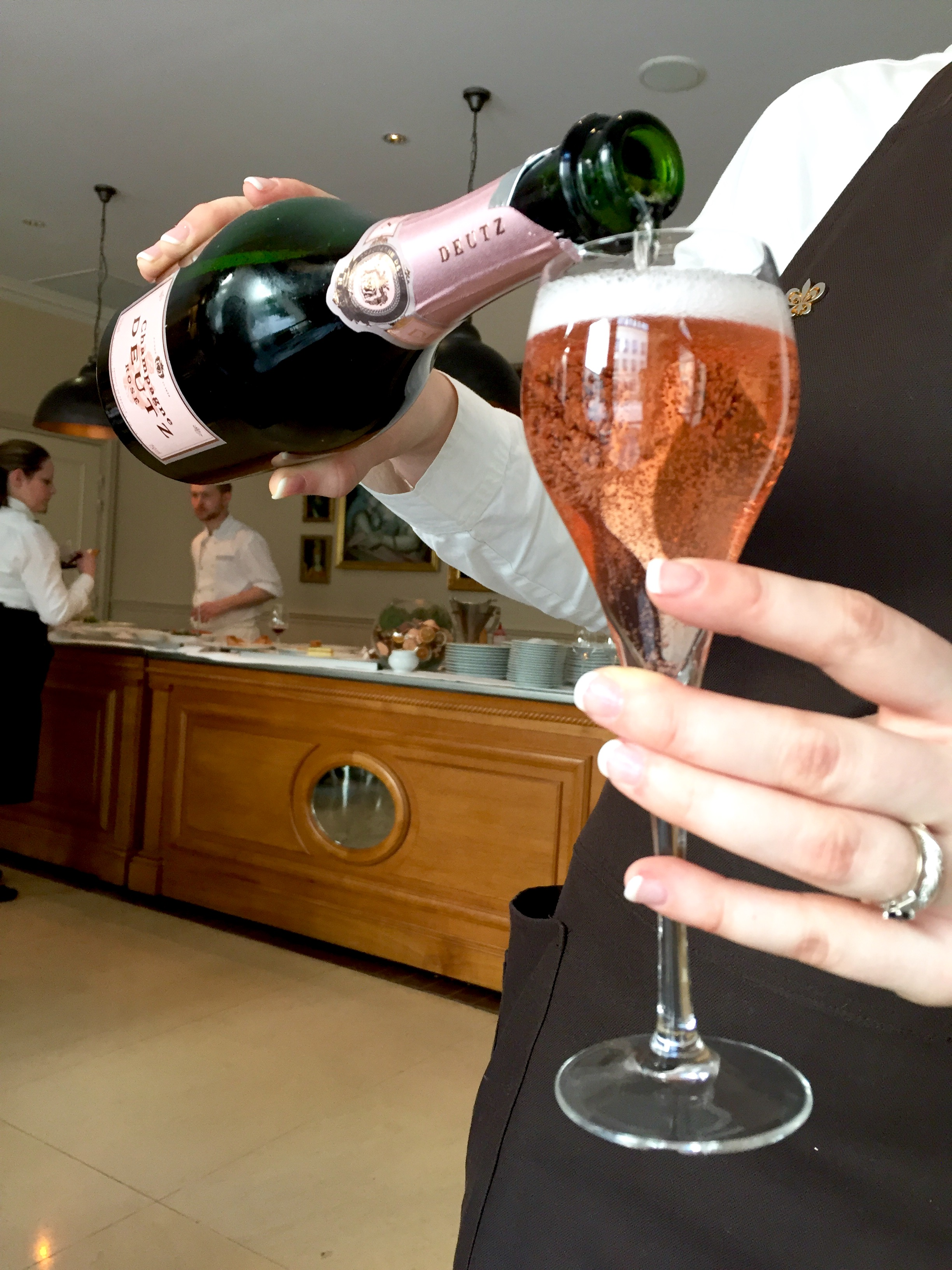 Champagne Le Jardin d'hiver Restaurant Chantilly France