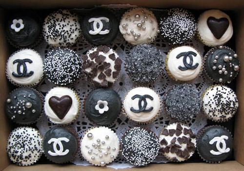 Chanel-food-fashion-cupcakes