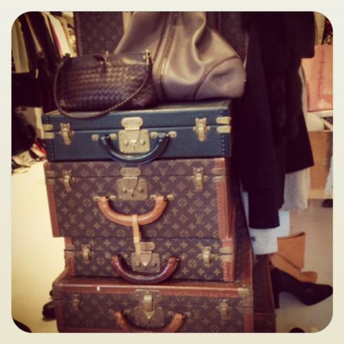 Food-Fashionista-louis-vuitton-luggage